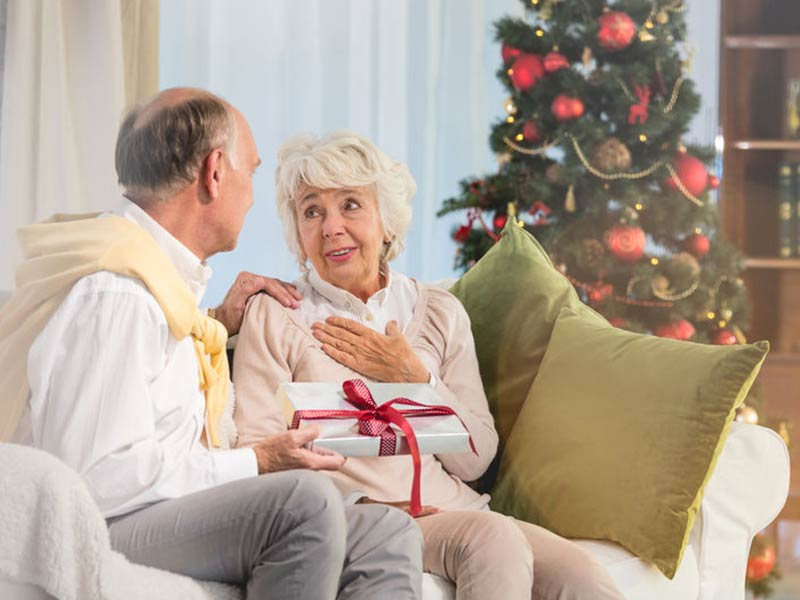 Tips to Improve Christmas for Seniors, Families and the Community