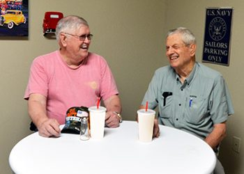 Tuscaloosa Seniors Can Make New Friends at Regency