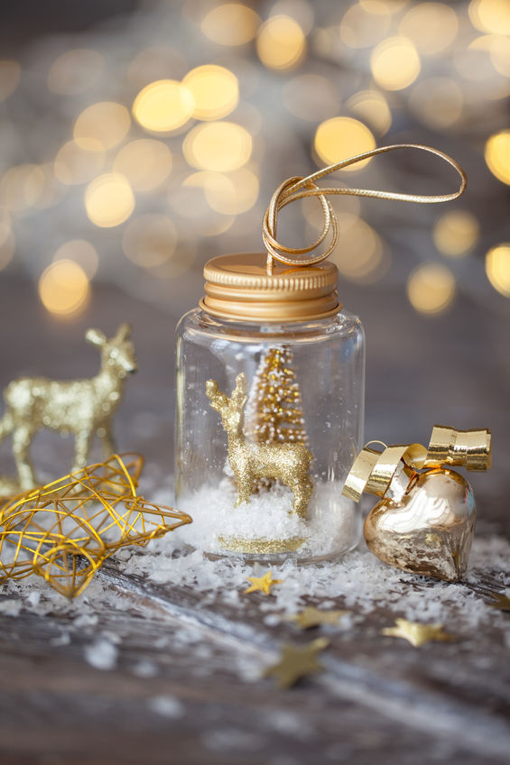Brighten your space at your assisted living facility in Tuscaloosa with these fun DIY projects like make your own snow globe.